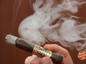 Zacapa_Tasting_Logo_112 Zigarre u. Rauch