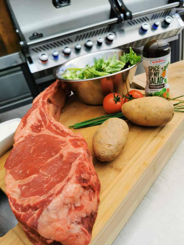 42. Tag Tomahawk Steak grillen Corona Tagebuch Bild 1