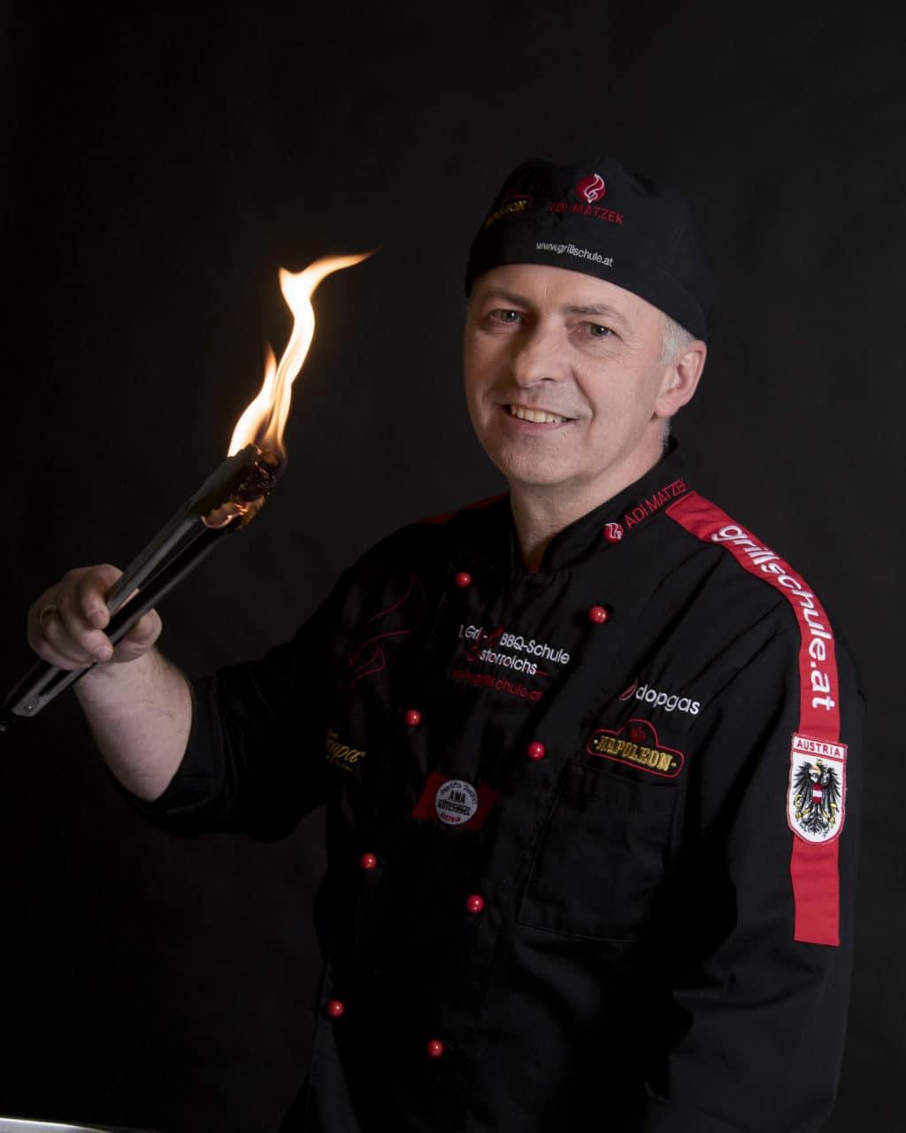 Adi Matzek Grillkohle Feuer